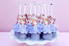 Any Sofia the First lover would swoon over these cake pops from Icing Cupcake.