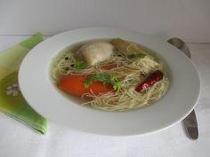 Költségkímélő húsleves és jól ízesítve finom is. Spaghetti, Ethnic Recipes, Food, Essen, Meals, Yemek, Noodle, Eten