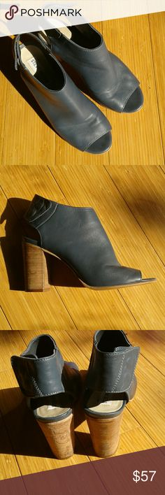 Steve Madden NONSTP Chunky heel mule with open toe. Super soft leather with double snap ankle closure. Size is 7 1/2 but can fit  an 8 as well. Heel height is 3.25 inches. Steve Madden Shoes Mules & Clogs