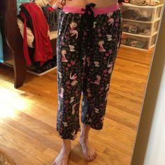 BETTY BOOP pajama pants 100% cotton. Licensed Betty BOOP pj bottoms. Medium. I'm a small and they work fine for me too. Dark gray, black drawstring. Capri style. Betty BOOP  Intimates & Sleepwear Pajamas