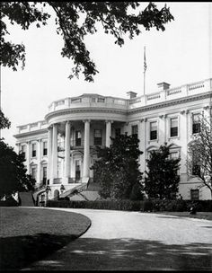 The White House after the Truman Renovation 1952 White House Rooms, Us White House, White Houses, Us History, American History, Great Photos, Old Photos, White House Washington Dc, Vintage Architecture