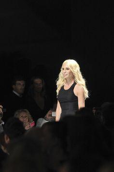Versace at Milan Fashion Week Spring 2009 - Livingly