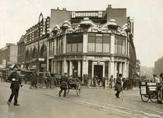 Camden Town in the Here's a great pic of Camden Town tube station taken… Camden London, Camden Town, Old London, London History, British History, Old Photos, Vintage Photos, London Architecture, Great Pic