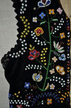 Creative Embroidery, Embroidery Designs, Polish Folk Art, Native American Beading, Leather Tooling, Beaded Embroidery, Blouse Designs, Cross Stitch, Vest