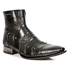 Gothic Wear and Fashion For Everyone Fancy Shoes, Me Too Shoes, Men's Shoes, Dress Shoes, Fashion Boots, Mens Fashion, Gentleman Shoes, Ankle Boots Men, Shoe Department