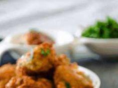 Κολοκυθοκεφτέδες από την Σάμο! Tandoori Chicken, Cauliflower, Meat, Vegetables, Ethnic Recipes, Food, Cauliflowers, Essen, Vegetable Recipes