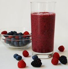 POM Paleo Berry Smoothie: 1/2 cup frozen raspberries; 1/2 cup frozen blueberries; 1/4 cup frozen (or fresh) blackberries; 1/2 cup POM 100% Pomegranate Juice; 1/2 cup unsweetened vanilla almond milk or unsweetened coconut milk (milk of choice). Combine in a blender and mix until smooth. #paleo