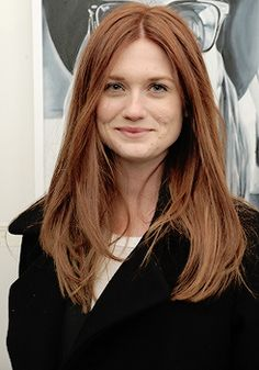 Bonnie Wright attends the Tali Lennox Exhibition Opening Reception at Catherine Ahnell Gallery (March 18th, 2015)