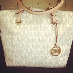 Love this Michael Kors bag.