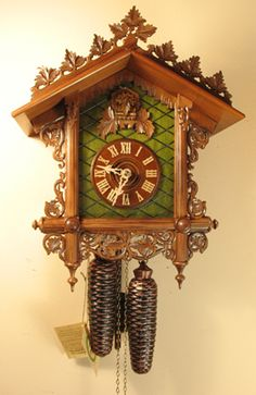 Black Forest German 8 Day Cuckoo Clock Carved Bahnhäusle # 8221