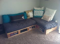 images of bunk beds made from pallets | ... Renew Mother Earth Projects: how to make a Pallet Couch and Pallet Bed
