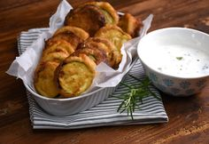 9 nagyon cukkinis recept, amit neked is ki kell próbálnod Fritters, Fresh Rolls, Vegetable Recipes, Tapas, Food And Drink, Healthy Recipes, Healthy Meals, Pasta, Sweets