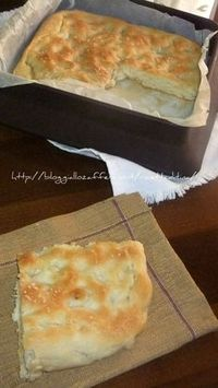 Focaccia al sale Pastry Recipes, Cooking Recipes, I Love Food, Good Food, Focaccia Pizza, Bread And Pastries, Semi, Cooking Time, Italian Recipes