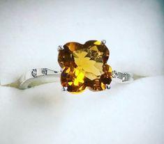 Bague en or blanc avec Citrine et diamants Stud Earrings, Boutique, Jewelry, Ring, Fishing Line, Jewels, Studs, Schmuck, Jewerly