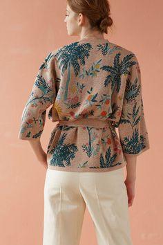 Zara Fashion, Fashion Outfits, Womens Fashion, Mode Batik, Mode Zara, Mode Kimono, Gilet Long, Batik Fashion, Kimono Design