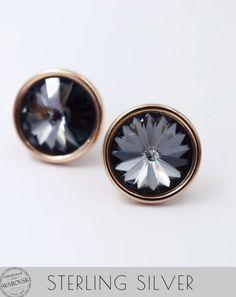 Καρφωτά σκουλαρίκια από ασήμι 925 με ροζ χρυσή επιμετάλλωση και κρύσταλλα Swarovski. Handmade Jewellery, Swarovski, Cufflinks, Accessories, Jewelry, Handmade Jewelry, Jewlery, Jewerly, Schmuck