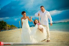 gorgeous #beaches Negril wedding from VIP Vacations!