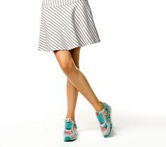Liu Jo Scarpe: la Collezione primavera estate 2015 ci vuole comode, colorante e scintillanti Liu Jo scarpe collezione primavera estate 2015 sneakers turchese