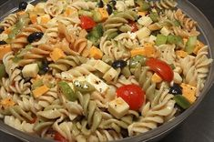 Italian Pasta Salad (with 2 recipes for the the dressing.creamy or oil/vinegar)MY FAV ! Pasta With Italian Dressing, Pasta Salad Italian, Easy Cold Pasta Salad, Cooking Recipes, Healthy Recipes, Pasta Salad Recipes, Couscous, Soup And Salad, Pasta Dishes