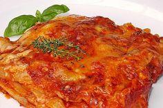 Béchamel-Hackfleisch-Lasagne von Kochprofie | Chefkoch Pasta, Chicken, Ethnic Recipes, Food, Ground Meat, Lasagna, Italian Recipes, Browning, Food Portions