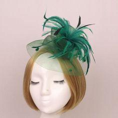 50ea40b6595 1 pcs Women Party Dress up Wedding Cocktail Feather Veil Mini Hat Cap Veil Hair  Clip