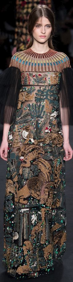 Fall 2015 Ready-to-Wear Valentino