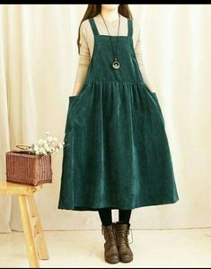 I really like this one. Green, with pockets! and a suspender-like dress. :D - womenstyle Mori Fashion, Modest Fashion, Hijab Fashion, Fashion Dresses, Womens Fashion, Japanese Fashion, Korean Fashion, Diy Kleidung, Moda Vintage