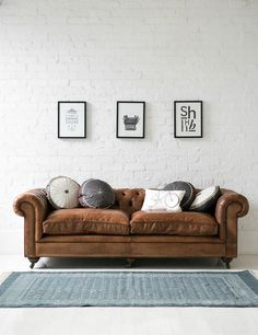 Tips That Help You Get The Best Leather Sofa Deal. Leather sofas and leather couch sets are available in a diversity of colors and styles. A leather couch is the ideal way to improve a space's design and th Tan Leather Sofas, Leather Chesterfield, Leather Furniture, Home Furniture, Chesterfield Sofas, Distressed Leather Couch, Chesterfield Living Room, Leather Cushions, Furniture Design