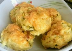 Cukkinis-sajtos pogácsa Cauliflower, Bakery, Muffin, Food And Drink, Vegetables, Breakfast, Kitchen, Morning Coffee, Cooking