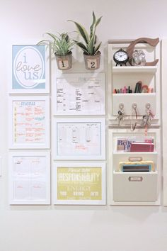 How to Make a Command Center + 10 Command Center Ideas Ten Totally Inspiring Command Centers // Somewhat Simple & Live Simply by Annie Organization Station, Home Organisation, Kitchen Organization, Family Organization Wall, Closet Organization, Command Center Kitchen, Family Command Center, Kitchen Message Center, Family Message Center