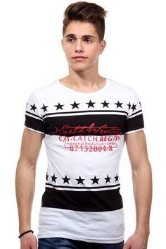 T-Shirt Rundhals slim fit    Ein T-Shirt von CATCH aus reiner Baumwolle. Kombinierbar mit einer Jeans für den optimalen Casual-Look.    - Rundhals   - reine Baumwolle für höchsten Tragekomfort  - Druck vorn  - gemustert  - schmale Passform  - sehr angenehmes Material  - Rückenlänge Größe S-XL ca. 68-71 cm    Kragen/Ausschnitt: Rundhals  Material: 100% Baumwolle  Muster: bedruckt  Pflegehinweis:...