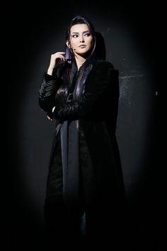 写真:「エリザベート」公演から、トート役の朝夏まなと=岸隆子撮影