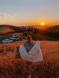 28 ideas travel photography friends sunsets for 2019 - fall - . - 28 ideas travel photography friends sunsets for 2019 – case – - Foto Top, Shotting Photo, Tumbrl Girls, Foto Casual, Summer Goals, Summer Aesthetic, Travel Aesthetic, Adventure Is Out There, Summer Vibes