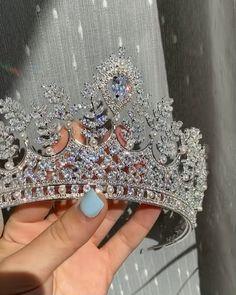 Swarovski Bridal Headband, Wedding Bridal Crown, Silver Crystal Tiara, Wedding Bridal Tiara Buy This crown in my Etsy Shop Wedding Headband, Bridal Crown, Bridal Tiara, Wedding Crowns, Wedding Tiaras, Cute Jewelry, Hair Jewelry, Jewellery, Quinceanera Tiaras