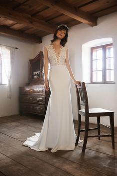 FOLK - Daalarna's Newest Bridal Collection Autumn Winter 2020 Wedding Dress Trends, Sexy Wedding Dresses, Bridal Dresses, Crochet Lace Dress, Floral Lace Dress, Bridal Collection, Dress Collection, Organza Dress, Bridal Fashion Week