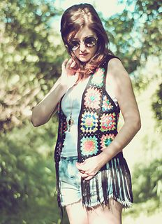 FREE crochet pattern for this hippy granny square vest... just like the 60s!