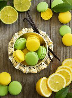 Lemon Lime Macarons Ooh macaroons, my favorite Lemon Macaroons, French Macaroons, Cute Desserts, Dessert Recipes, Cute Food, Yummy Food, Yummy Treats, Macaron Flavors, Macaron Cookies