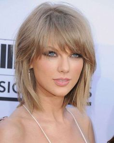 Fall Hair Trends 2015 - Best Hairstyles for Fall 2015 Short Hairstyles For Thick Hair, Cool Hairstyles, Hairstyles Haircuts, Female Hairstyles, Beautiful Hairstyles, Latest Hairstyles, Medium Hair Styles, Short Hair Styles, Hair Medium