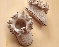 Ruffled Coral Baby Booties Crochet Pattern