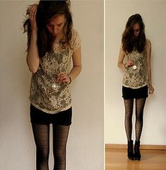 I love this, but reverse the skirt and shirt colors. Black tights and a pendant necklace. <3