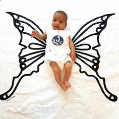 Watch baby grow on this adorable butterfly baby backdrop.   Exclusive to BABY MADE