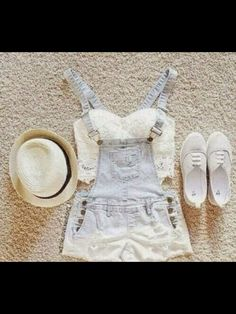 Would probaly look good with my new overalls like this one, I think I will try this out but I need to buy some flats. (casual summer outfits for teens hats) Tumblr Outfits, Mode Outfits, Fashion Outfits, Fashion Trends, Dress Fashion, Fashion 2015, Latest Fashion, Fashion Online, Outfits 2016