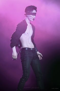 Lay - 160930 Exoplanet #3 - The EXO'rDium in Hangzhou Credit: Romantique Eclair. // Is it just me or is it very alarming how thin he is. Please eat well, XingGe
