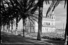 El Real Club de regatas . De las sucesivas sedes del club, el edificio que recoge Loty en sus fotografías se construyó a partir de ...