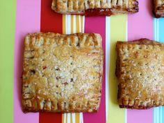 "Simple, so good, and 100% real food!!! via Healthnut Foodie: Homemade Strawberry ""Pop Tarts"""