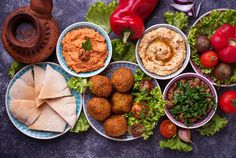 Vegetarian and Vegan Restaurants in Detroit We Actually Love Best Vegetarian Chefs, Curry, Food Trends, Falafel, Mediterranean Recipes, Chana Masala, Grocery Store, Guacamole, Gastronomia
