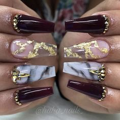 Shine Bright With These Glamorous Holiday Nail Designs Essence elegant xmas nails - Elegant Nails Holiday Acrylic Nails, Xmas Nails, Holiday Nails, Christmas Nails, Make Up Gold, Glitter Make Up, Pink Glitter, Acrylic Nail Designs, Nail Art Designs