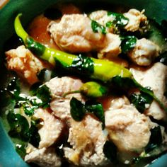 My own Version of SINAMPALUKANG MANOK with MALUNGGAY pinoy food pinoy taste! (chicken in tamarind soup)