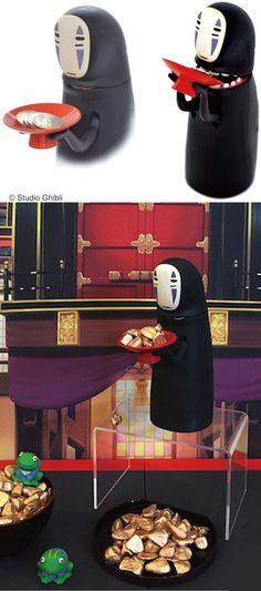 Mechanical No Face Piggy Bank #shutupandtakemyyen #spiritedaway #noface #anime #studioghibli #merch #merchandise #bank #coinbank #piggybank #animemerch #animemerchandise #spiritedawaymerch #spiritedawaymerchandise #studioghiblimerch #studioghiblimerchandise