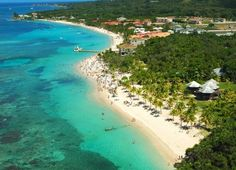 Hondura's Roatan is well known for fishing and cruise ship tourists. Close to the Mesoamerican Barrier Reef, this mesmerizing island is growing in popularity with scuba divers and marine biologists. Ben there 3 times